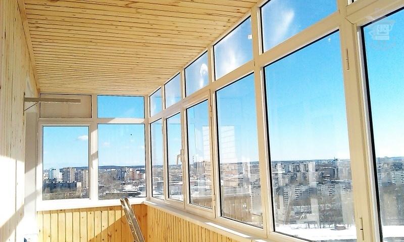 Профессиональное остекление балконов и лоджий.